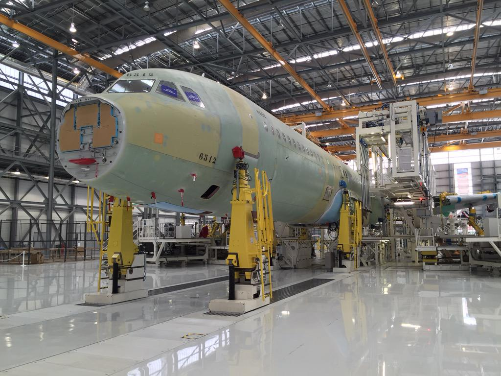 Our very first A321 being assembled at Mobile. Wings ready to be attached http://t.co/L7NdXwNOVz