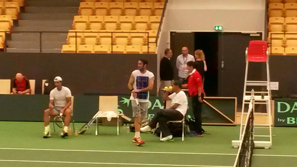 primer entrenamiento con Rafa ..Copa Davis.D&N http://t.co/8iXHWsMmkl