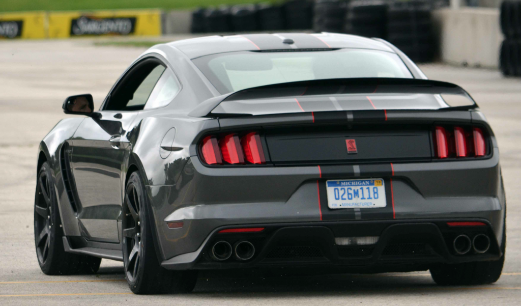 First Spin: Shelby @Mustang GT350 and GT350R http://t.co/JT9sLTVl5h #TrackTime #Ford #Mustang #Shelby http://t.co/hW5r8mPllE