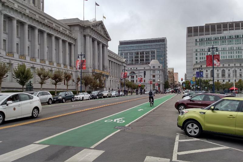 San Francisco provides back-in angled parking right in front of City Hall. @Oakland why can't you do same on Grand? http://t.co/Nw9FCa1pqK