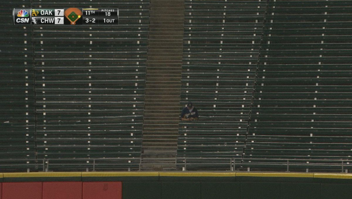 Update: All the #WhiteSox fans have left. The only individual remaining is a deranged and confused #Brewers fan. http://t.co/TIGzZuVfLA