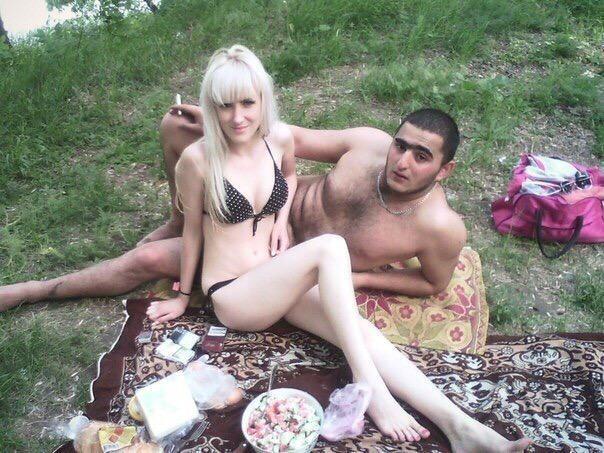 zhenshini-sosut-russkoe-porno