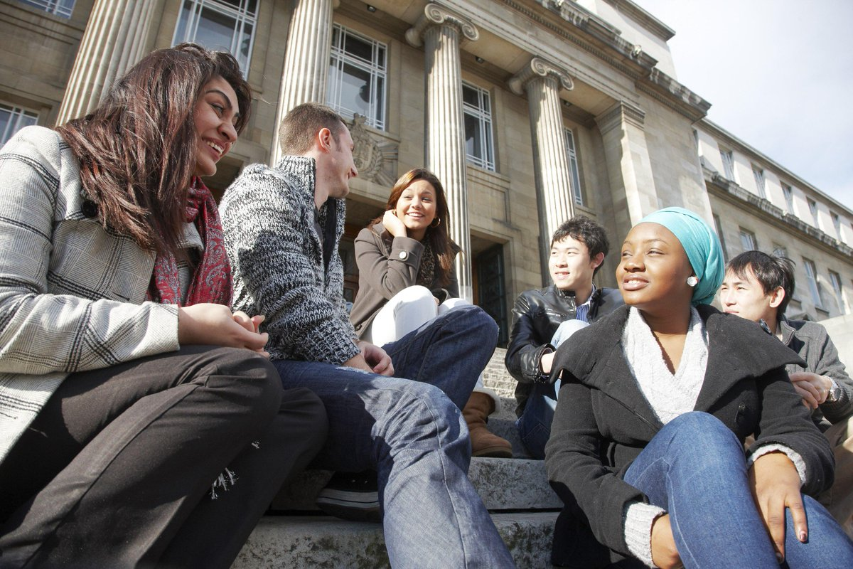 Leeds confirms its place in the top 100 universities in the world in today's QS Rankings #QSWUR http://t.co/6IxCE0YFw5