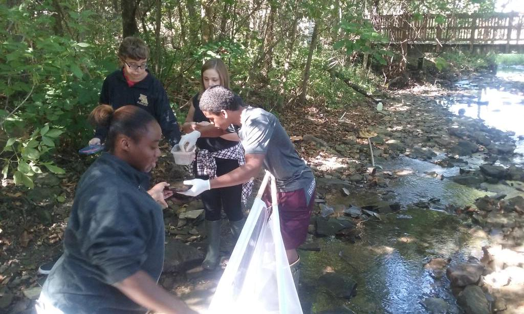 Env Sci Ss determining water quality in rose run, results to follow later this week #nahscommunity #EFCTS http://t.co/rTRdFUYIH2