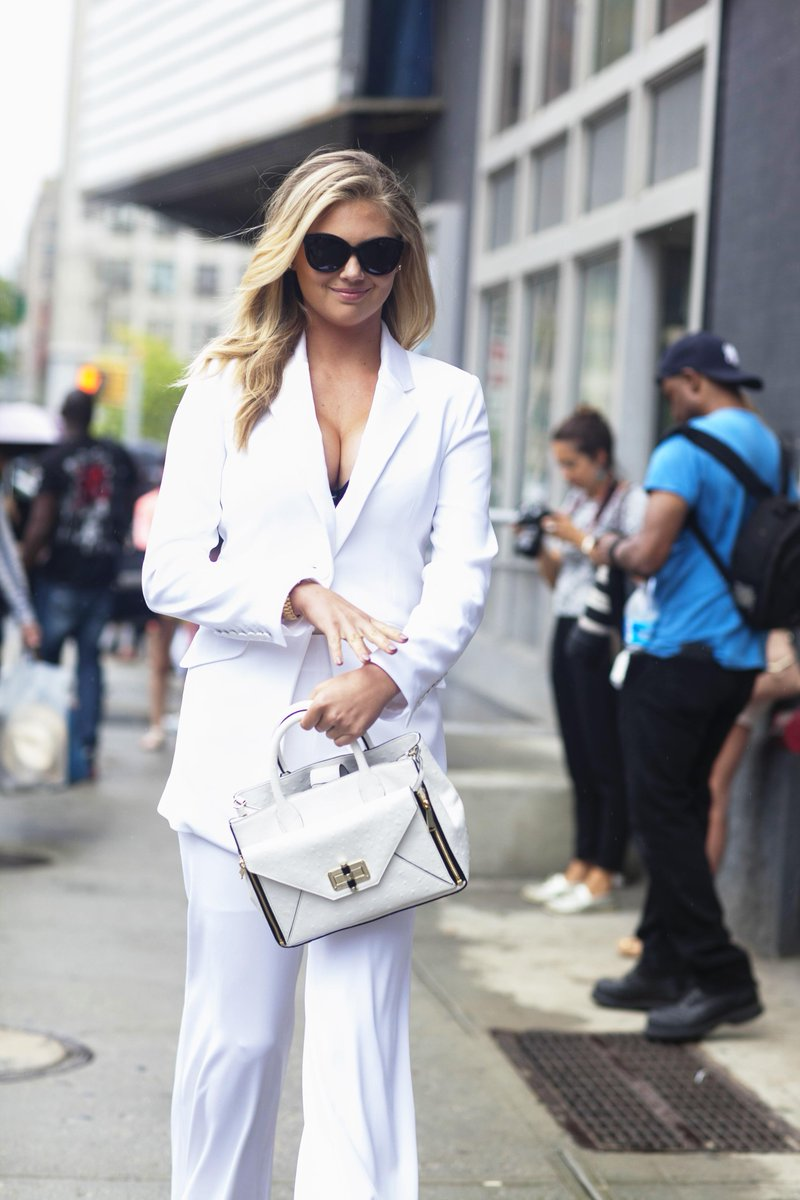 Girl crush: @KateUpton wears a white silk @DVF pantsuit for the designer's #SS16 show. #nyfw http://t.co/rYyltq1Suy http://t.co/NLCFWpoU6m