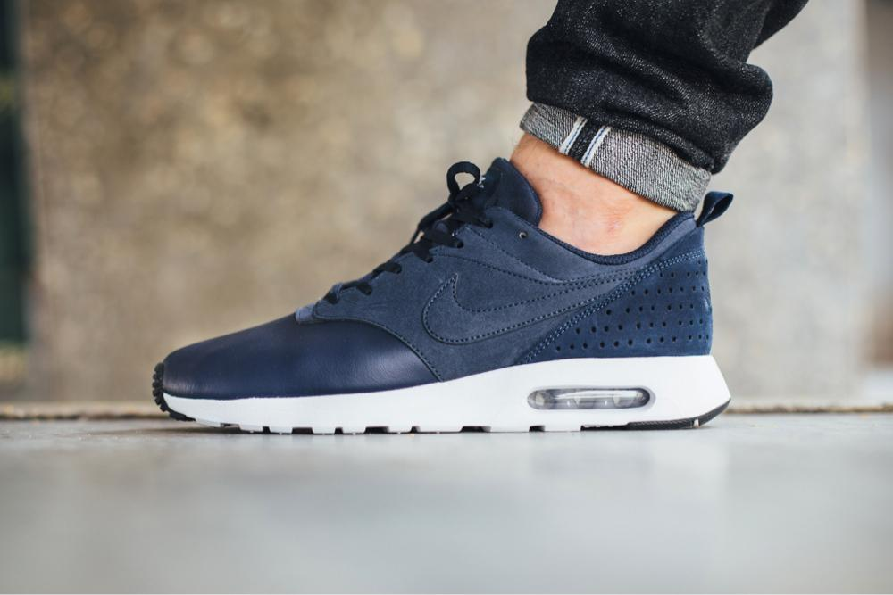 low priced d66cc 13410 Nike Air Max Tavas Blue Leather