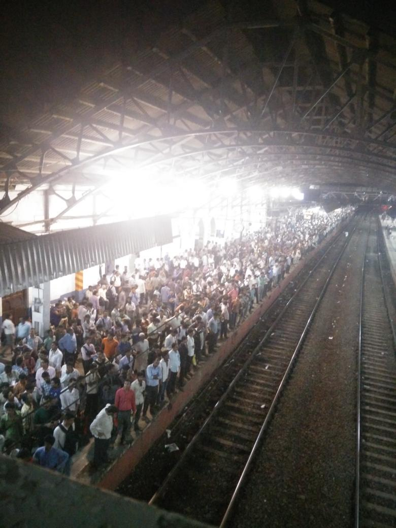 Bandra right now. http://t.co/7pUdvLTaRv