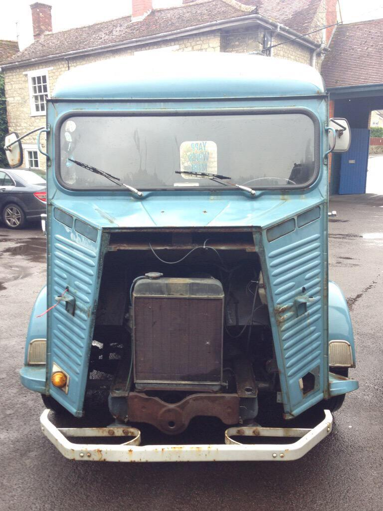 Urgent news! Someone stole valuable parts from the beloved @YappAboutWine H-van by the A303 today. Please RT. http://t.co/KzAPEQUwXL