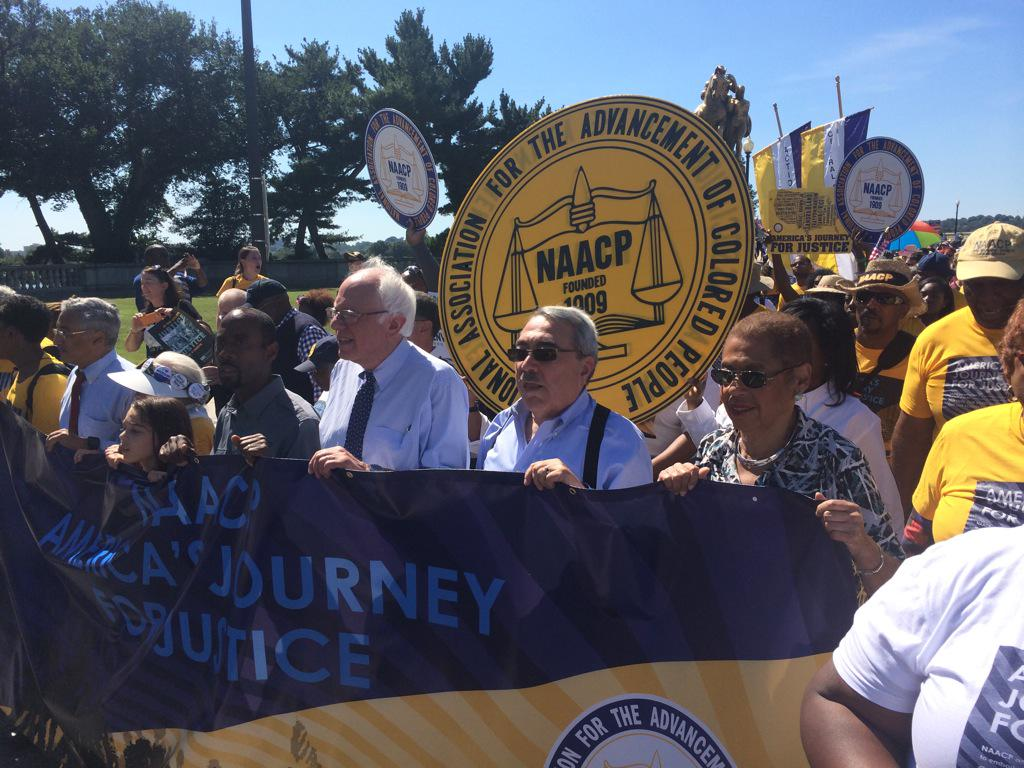 Welcoming #JourneyForJustice marchers to DC with @GKButterfield and @SenSanders #JusticeSummer http://t.co/6bOYYKFHUZ