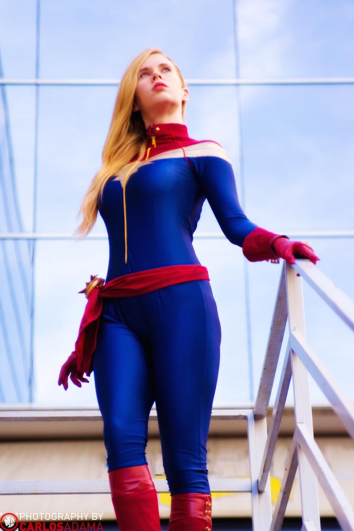 My Captain Marvel pics with @NoBirdsSing so far. More will be popping at https://t.co/Mw2A0NyRLU #cosplay http://t.co/qWIR25eOu3