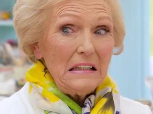 Bake Off viewers were NOT impressed with last night's episode http://t.co/H2z9D6SuUY http://t.co/EWBrA3iqxA