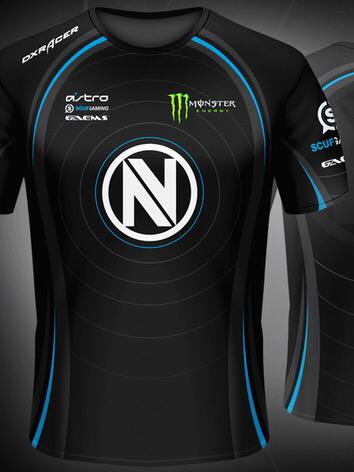 We're giving away one of our official new black team jerseys! RT and follow us to have a chance to win! http://t.co/26IhshxZBG