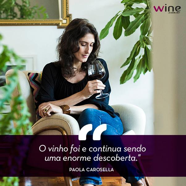A chef Paola Carosella, uma das juradas do MasterChef Brasil, é a nossa entrevistada na Revista deste mês! :) http://t.co/vvBOswRs7y