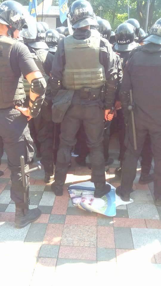 Тягнибок прибыл на допрос в МВД - Цензор.НЕТ 8153