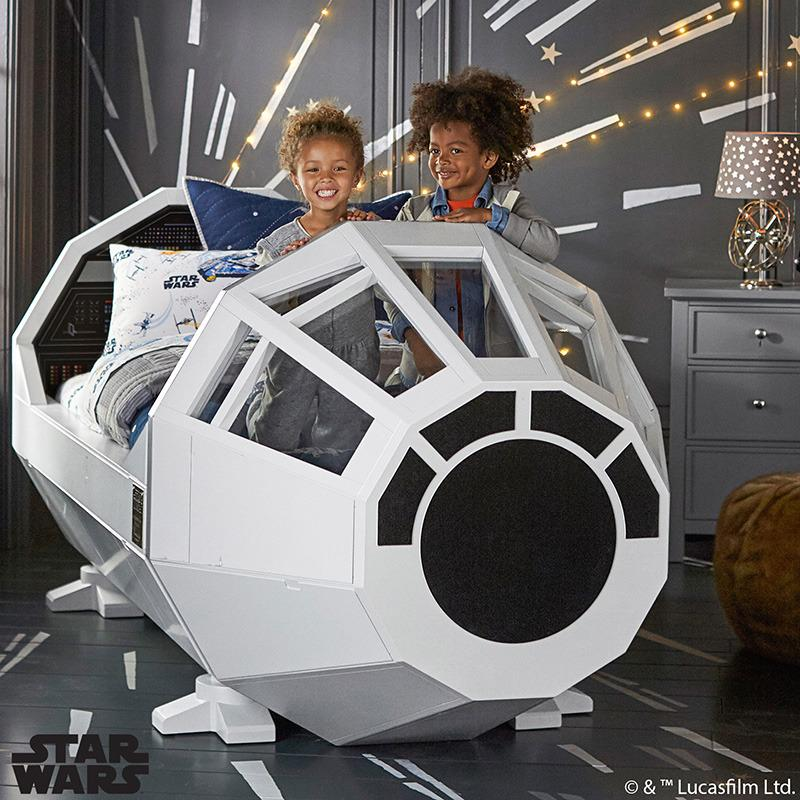 You never heard of the @StarWars Millennium Falcon BED?! #ForceFriday is ON! http://t.co/2ehZIxDOPV #MyLittleJedi http://t.co/mGFVabNYZY