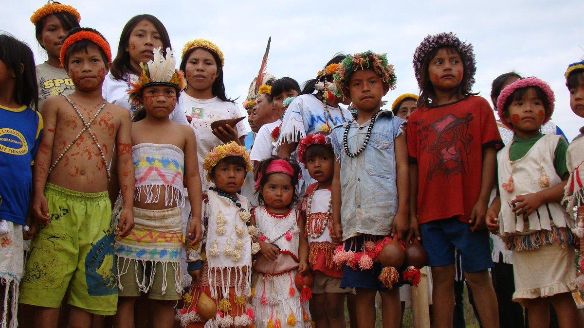 Guarani-Kaiowá são novamente atacados a tiros por fazendeiros no Mato Grosso do Sul http://t.co/0m6JV9Ato8 http://t.co/11GCmgSA0M