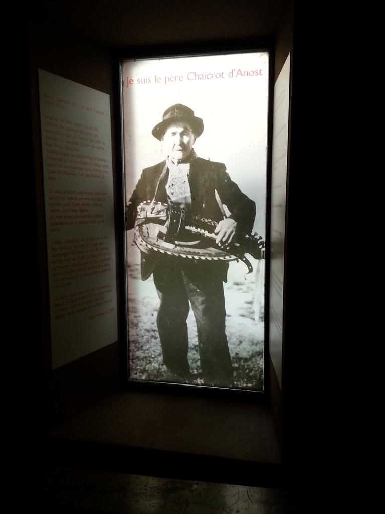 Personas-Iconos en la Casa del Patrimonio Oral de Borgoña. #rencontresPCIanost http://t.co/bzQ41jfN8S