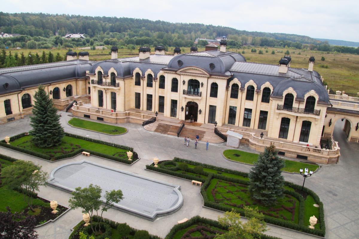 Скандал: Суд запретил Ротенбергу баньку построить
