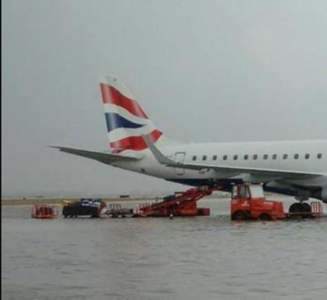 Photo palma de mallorca airport earlier today during storm - Job today palma de mallorca ...