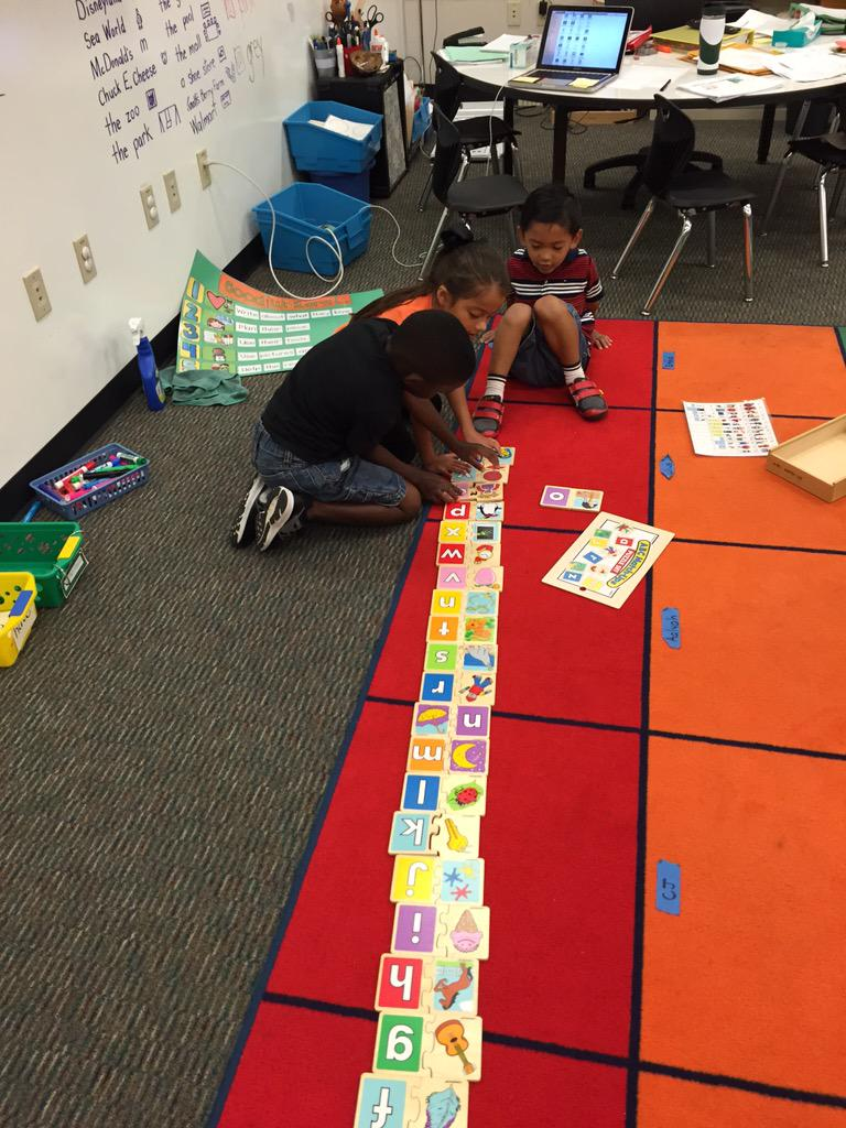 Working as a team with beginning sounds! #camlearns http://t.co/p1Nn4Ughaf