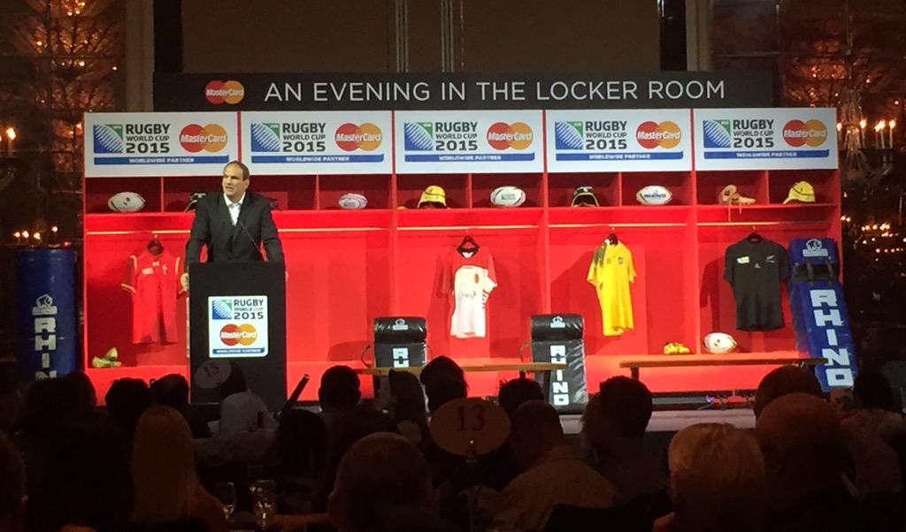 Finally #MasterCard ambassador & @EnglandRugby Captain Martin Johnson takes the stage #PricelessSurprises http://t.co/q4XONAwsoY