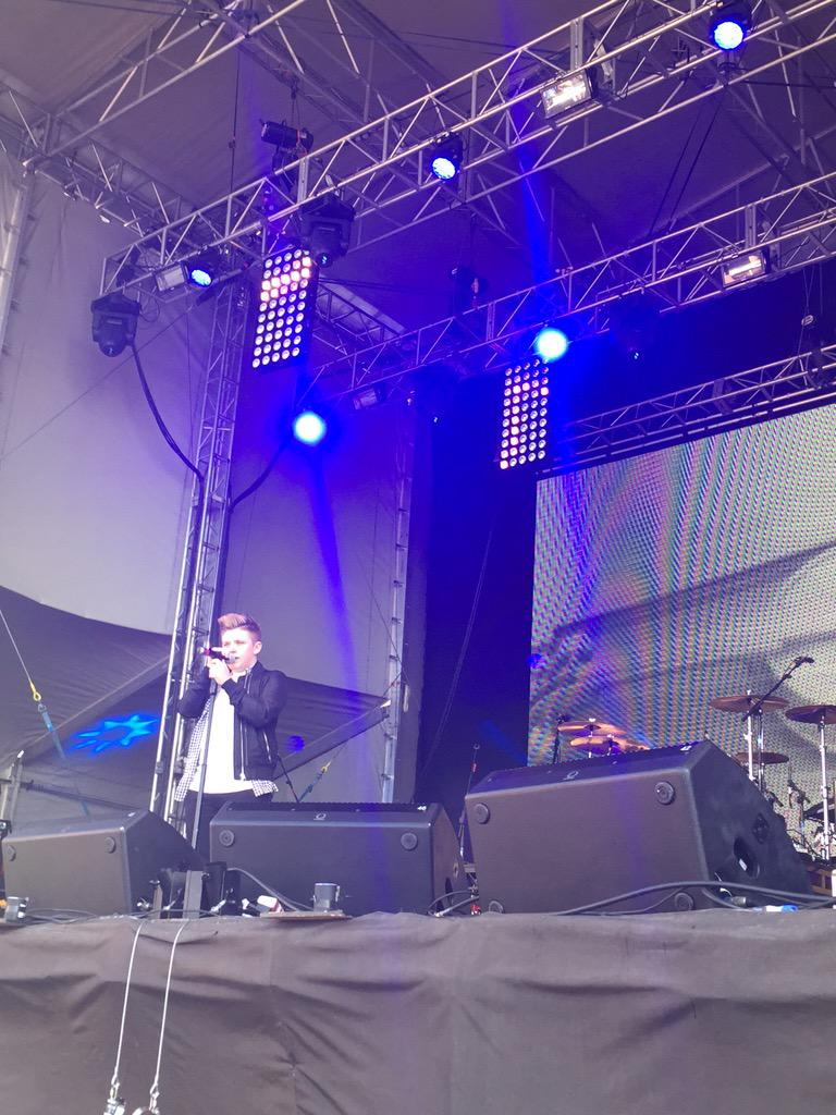 RT @visitBlackpool: From the @TheXFactor @nickymcdonald1 #switchon15 🎉 http://t.co/W00aKB2L9T