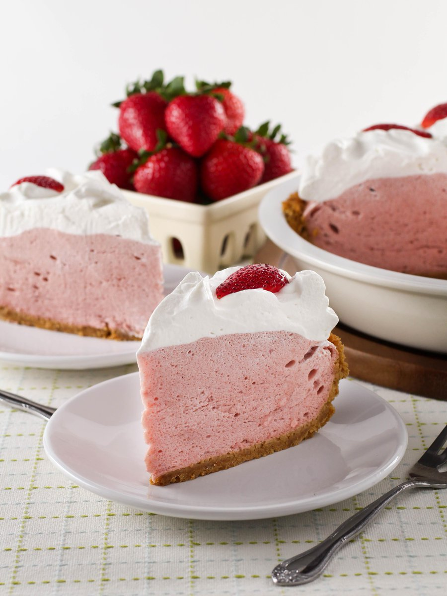 Check out my latest recipe for @toriavey - Strawberry Chiffon Pie! http://t.co/BYwbRxgGeN  #recipe #LaborDayWeekend http://t.co/hWVI0nOwtz