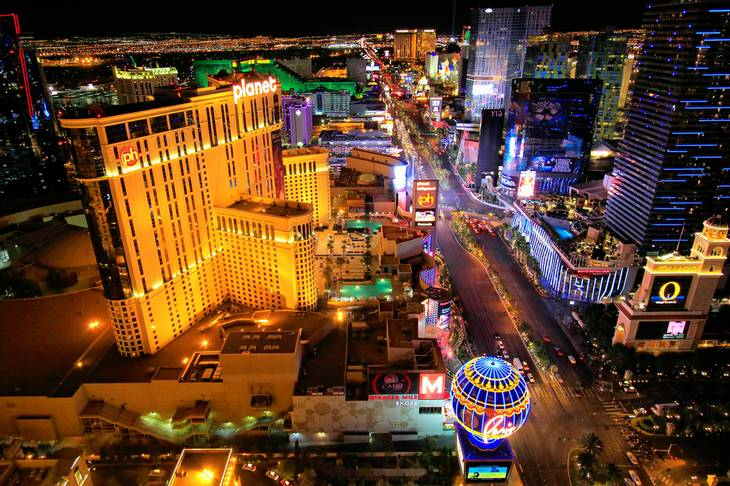 Las Vegas expects 315,000 visitors this #LaborDayWeekend http://t.co/44vn3vEUDG http://t.co/YhfSmXqhtZ