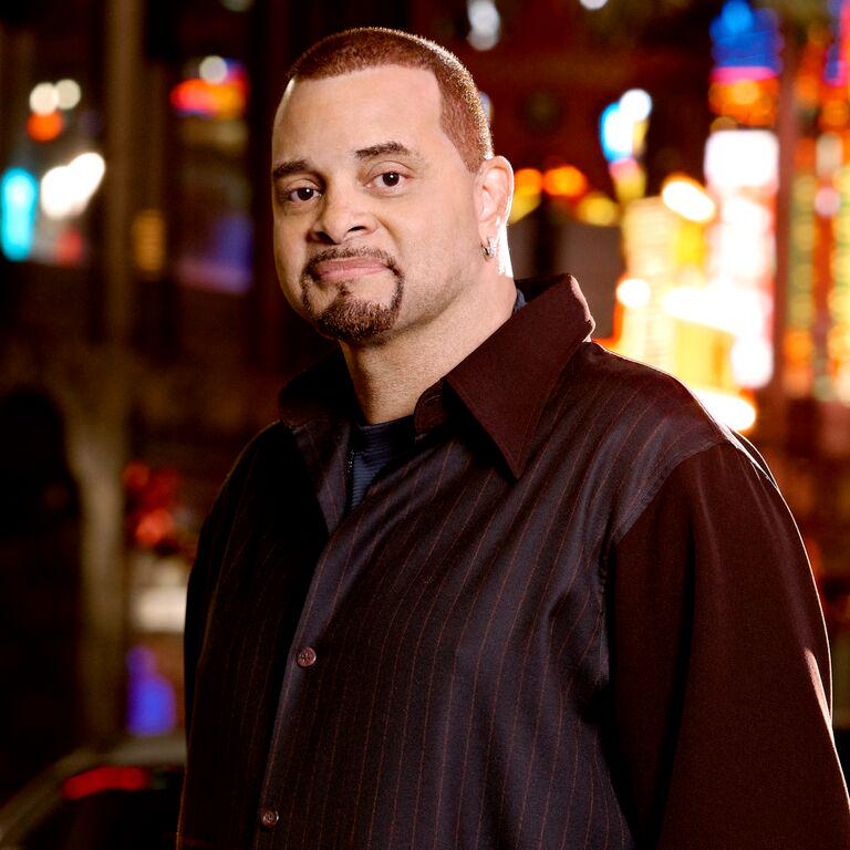 It's almost Sinbad time! Want to win tix? Reply with your favorite @Sinbadbad stand-up or movie appearance! http://t.co/CvZ1yRMmPJ
