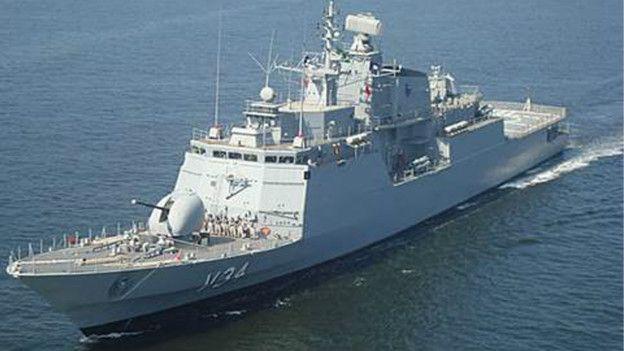 Navio de guerra brasileiro resgata 220 imigrantes no Mediterrâneo http://t.co/8Varfnq75H