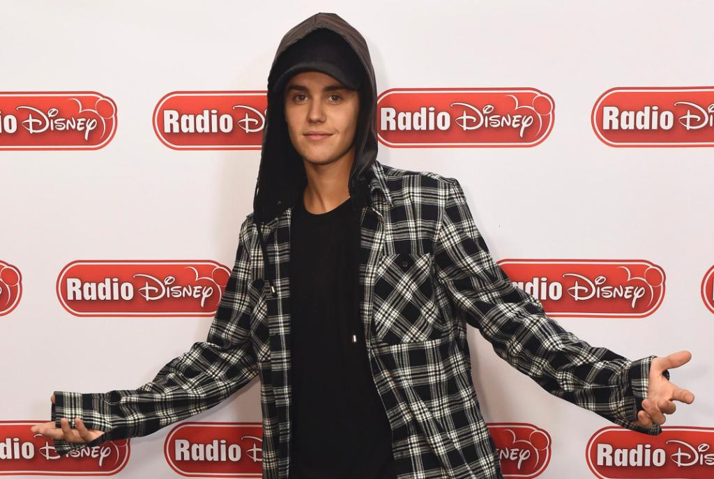 Listen to the #Top30Countdown on the Radio Disney app! @justinbieber is co-hosting with @WhoisErnieD this weekend! http://t.co/pyR2tSTOJF