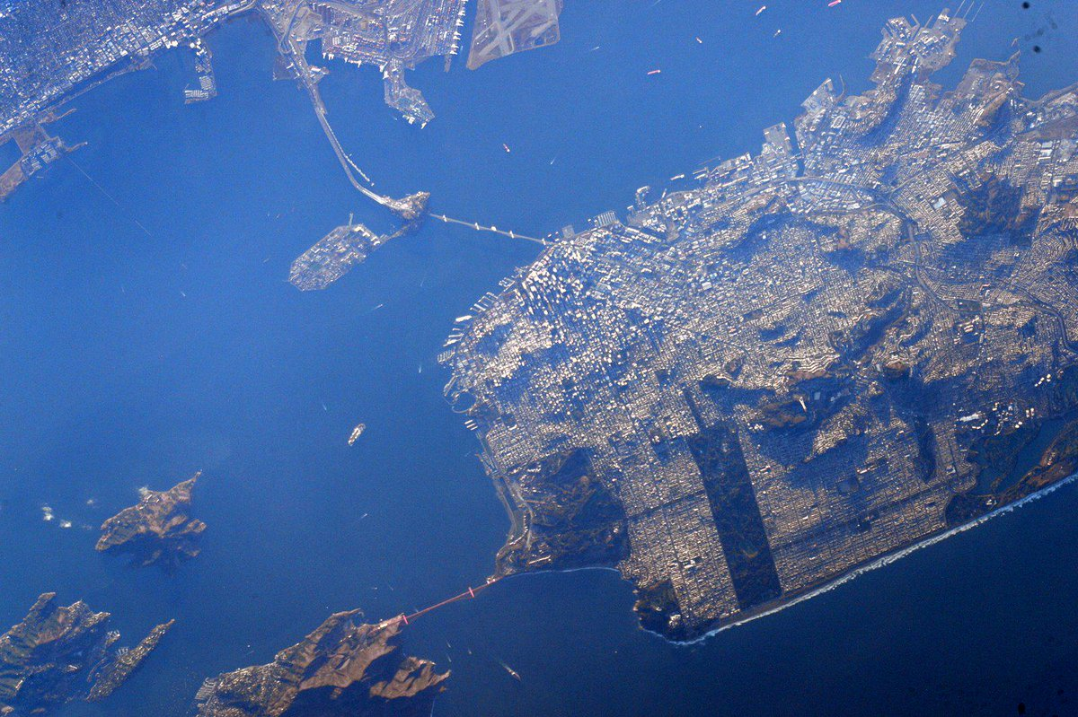 Can you see gentrification from space? RT @StationCDRKelly: #GoodMorning #sanfrancisco! http://t.co/xzcqSrR4J7 #fb
