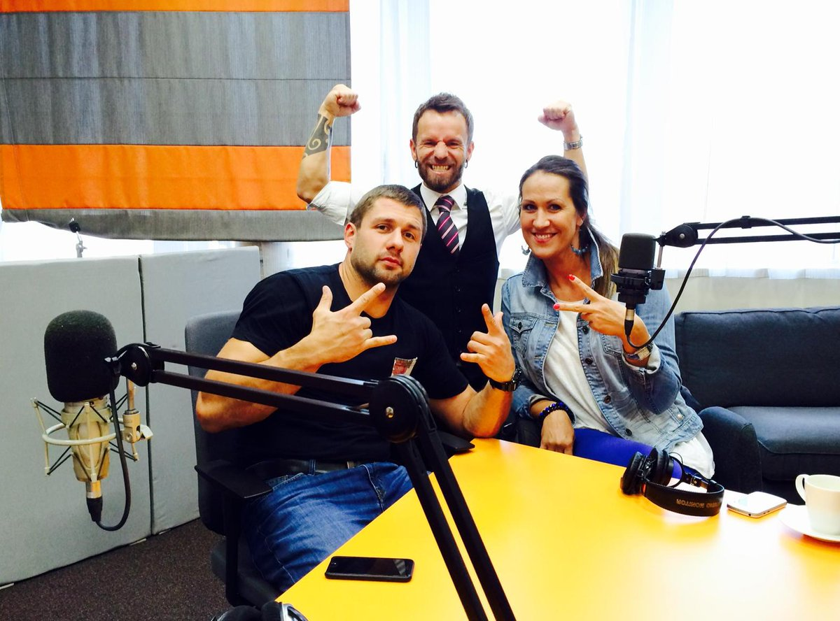 Radio SWH 6.spēlētājs šodien ir @artisdvarionas, @RElbakjans un @LiliJ9. Un mēs esam gatavi just līdzi! Slēdz iekšā!