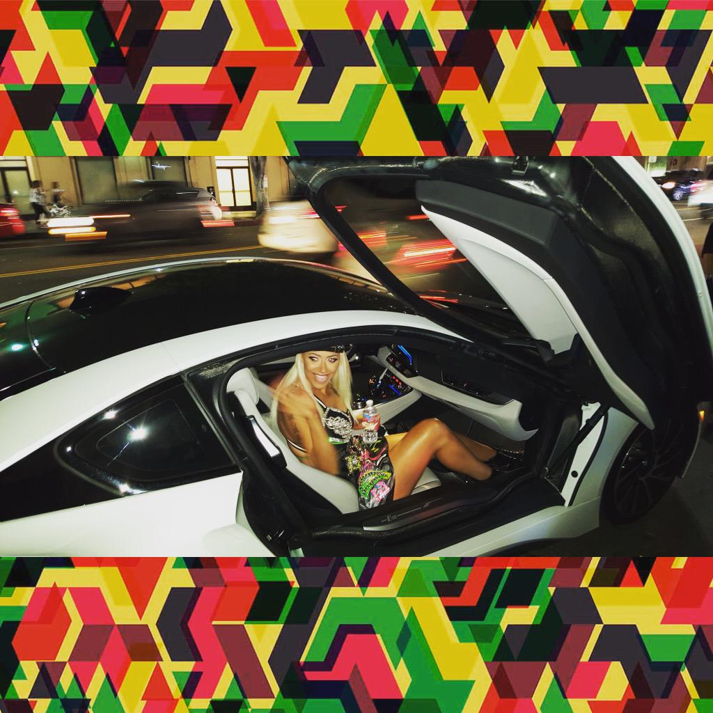 JAMAICA JAMAICA WELCOME TO JAMROCK OUT IN DAH STREETS DEH CALL IT MURDA! - RUDE GAL RIDE IN STYLE TING! ❤️