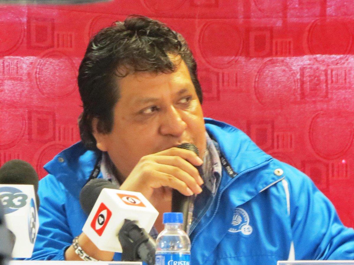 Eliminatorias Copa Mundo Rusia 2018: 8 de septiembre del 2015 - El Salvador vs Curazao. COKc-W3UAAA7Ju2