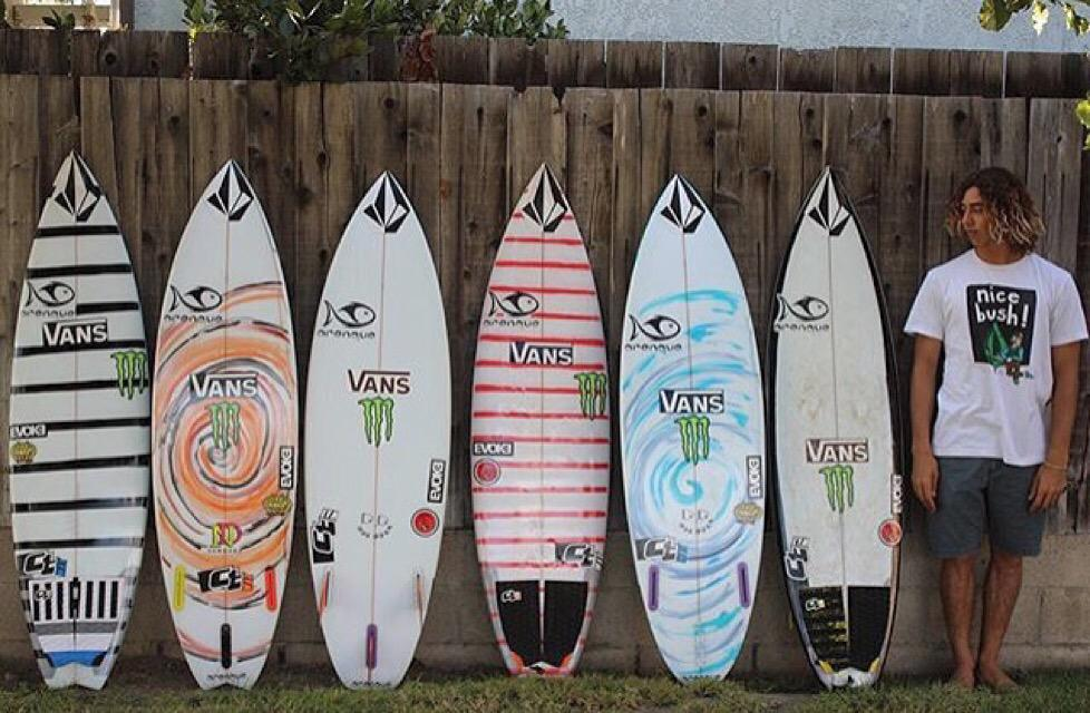 Yago Dora with his epic quiver, which board is your favorite? http://t.co/9qSjyzwbRd