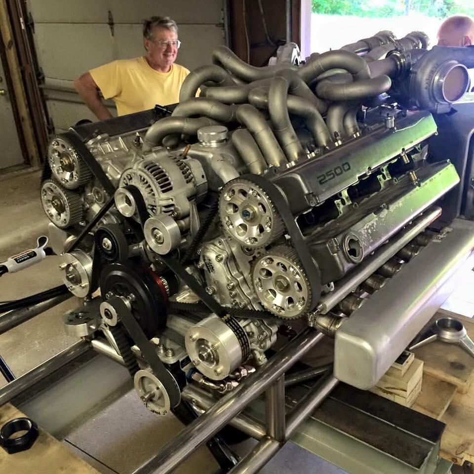1jzを2つ組み合わせてV12エンジンを作るなんて…すごすぎる( ゚д゚) pic.twitter.com/GTZqr35kDq