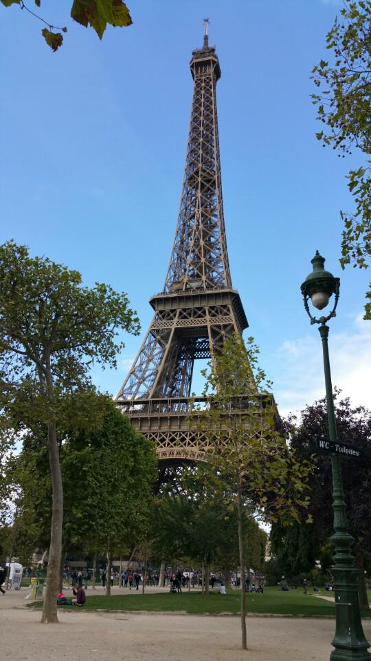 Perfect day at the tower #paris #lilmissnetwork #pickoftheday (@ Tour Eiffel - @paris) https://t.co/l1XE76RN76 http://t.co/2m62z2aQcV
