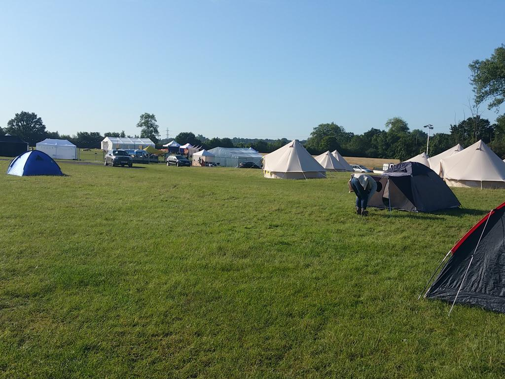 It's Sunday am, he end of #Blogstock, & 200 campers are wondering 'why couldn't we have weather like this before??!!' http://t.co/bhmkE6vxeh