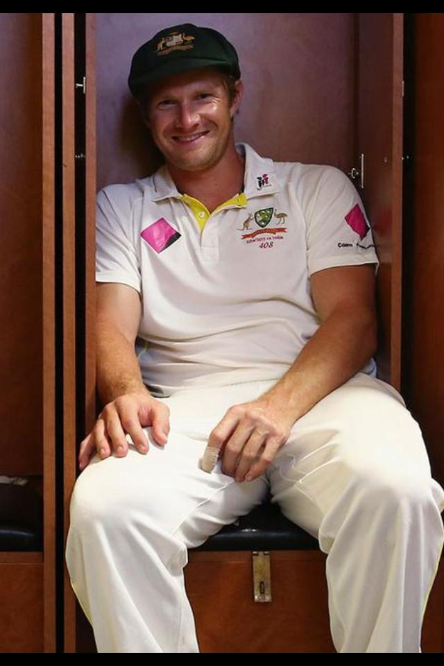 Shane Watson announces his retirement from Test Cricket. Wonder if he might review the decision later? http://t.co/0KhKbSicR4
