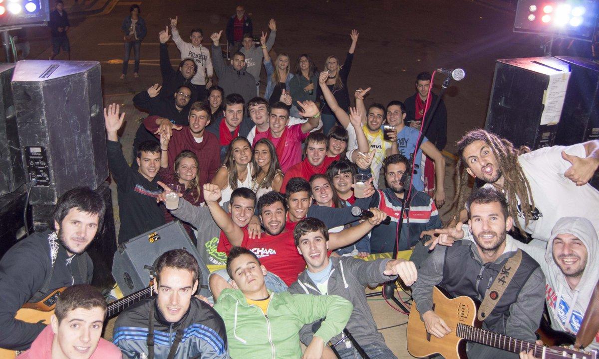 Gracias a todos las miles de personas que aguantasteis ayer el frio en Caparroso!!! Grandes!!! #eseprimogueno