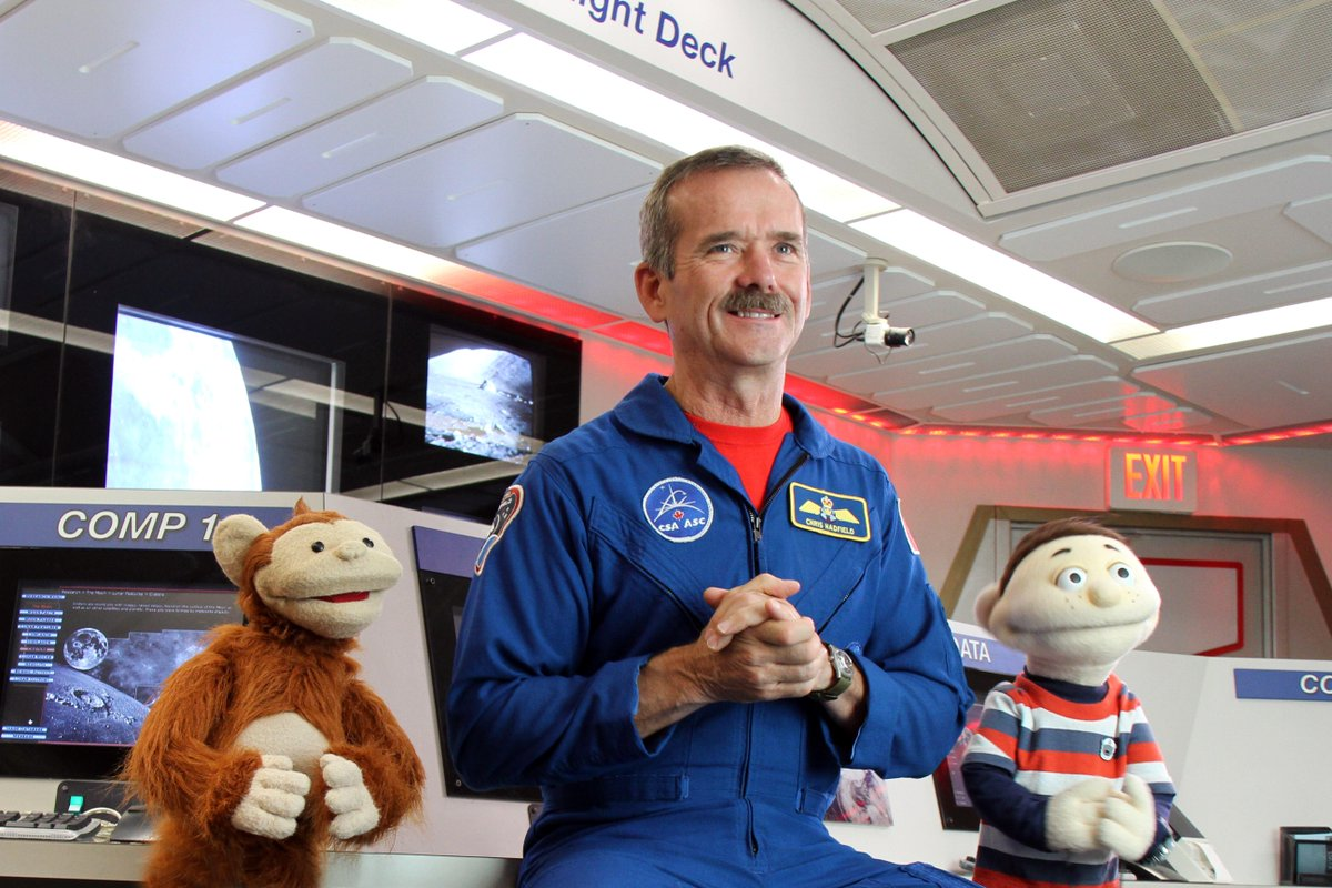 #NowYouKnow's Howie & Baboo learn about the #Moon's various phases Sept7 at 6:23am on @TVOKids. @Cmdr_Hadfield http://t.co/C5SEgCcPRj