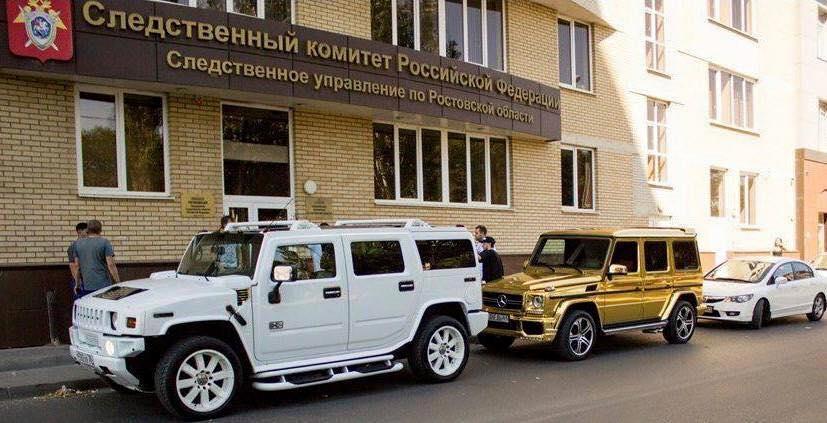 На этой фотографии, кажется, все, что надо знать о Следственном комитете)) http://t.co/EtlSM420Xd