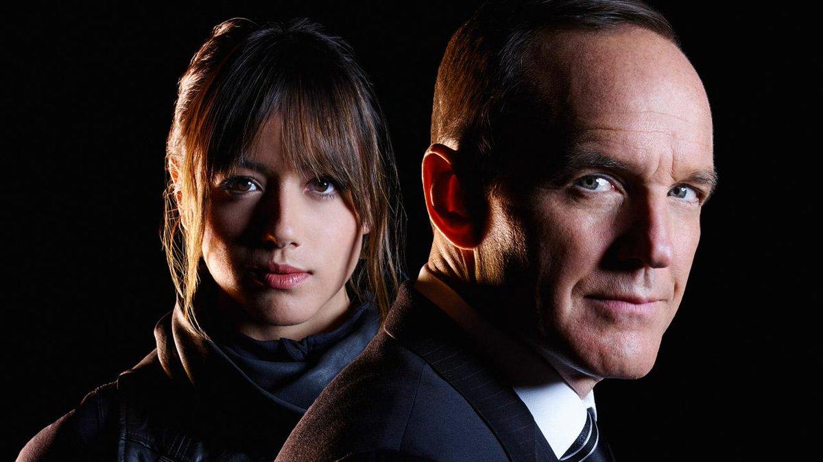 Phil Coulson (Clark Gregg) e l'agente Daisy Johnson (Chloe Bennet).