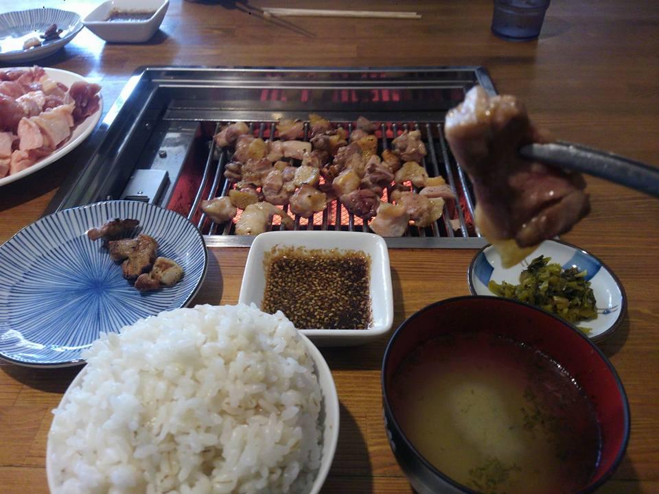 鶏食い放題(¥500)@昭和の狩場焼 http://t.co/bqkkgQ4cab http://t.co/n9ME3CjCPW