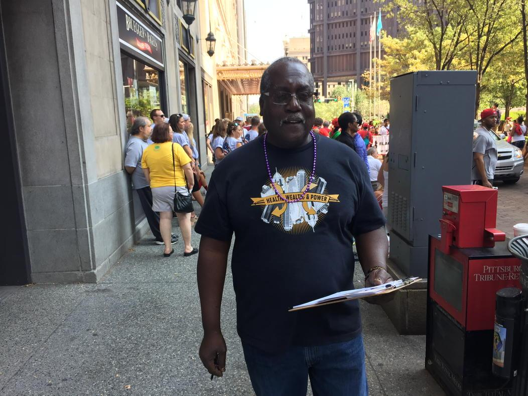 Ron Oakes is walking the parade to talk to folks about our agenda to lift up #pgh. #fightfor15 #laborday http://t.co/i4wATB0eFg