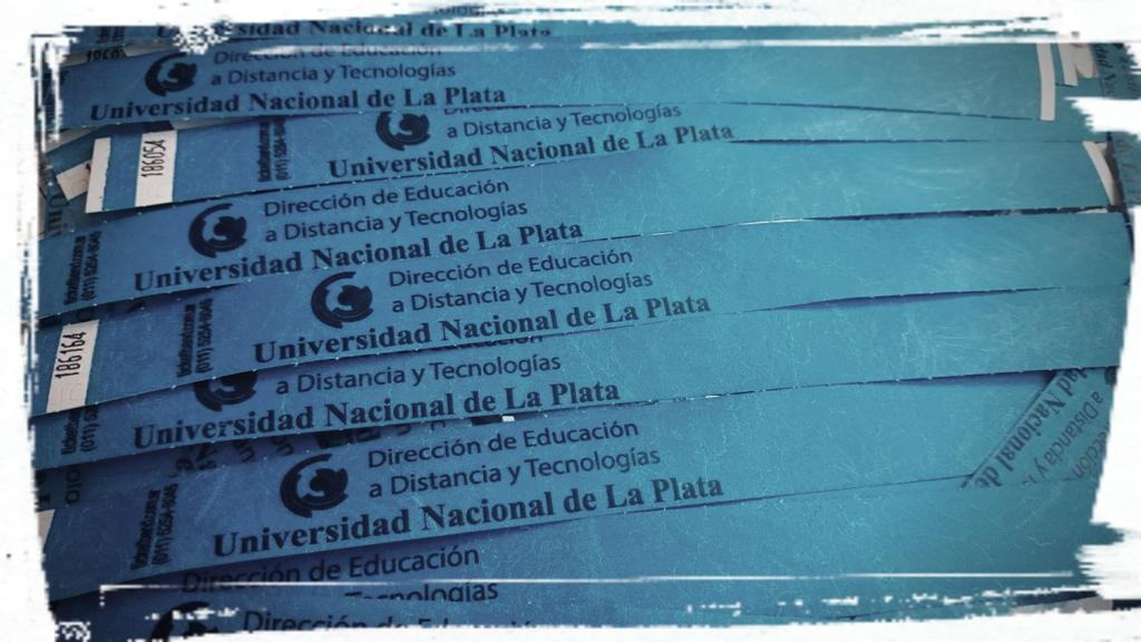 HOY! Comenzamos con las Jornadas #EaDUNLP @mmercedesmar @Anita_ines23 @MarilinaPeralta @alehgonzalez @claudiojjaime http://t.co/x1ruDhw3z7