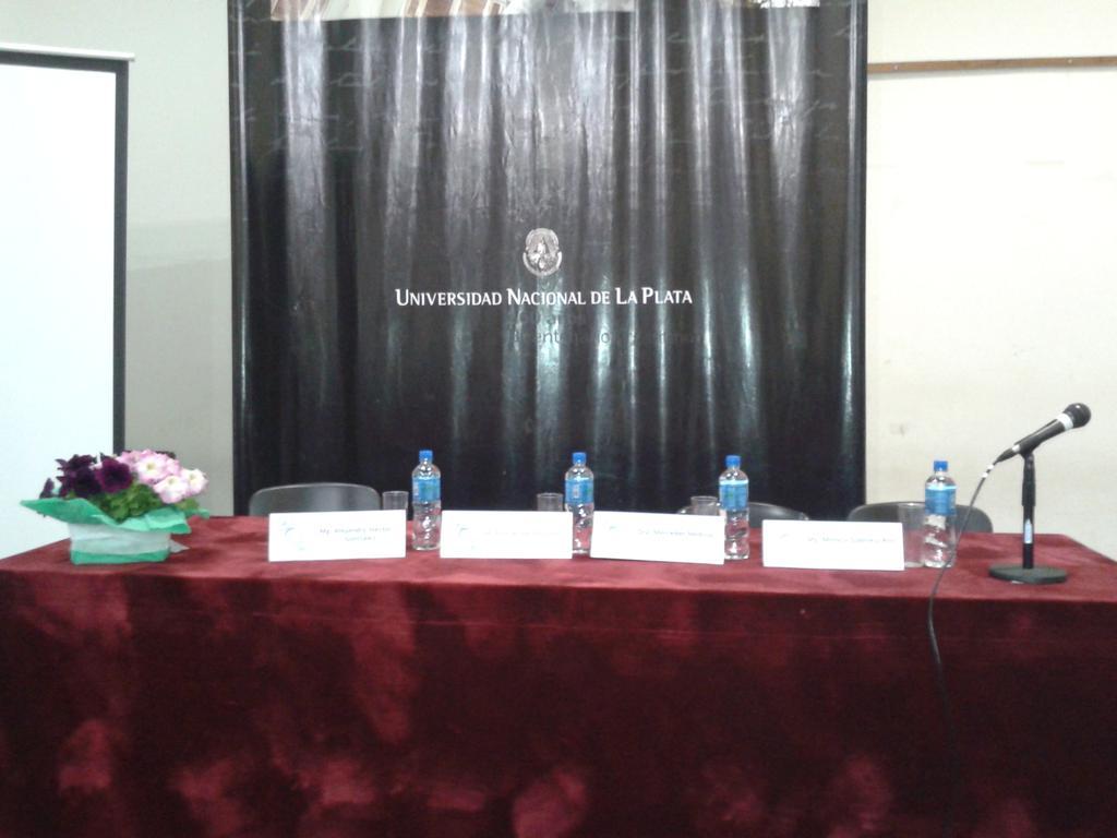 Preparativos para la apertura. #EaDUNLP. III Jornadas de TIC e Innovación en el Aula http://t.co/fQnEC8pEKP