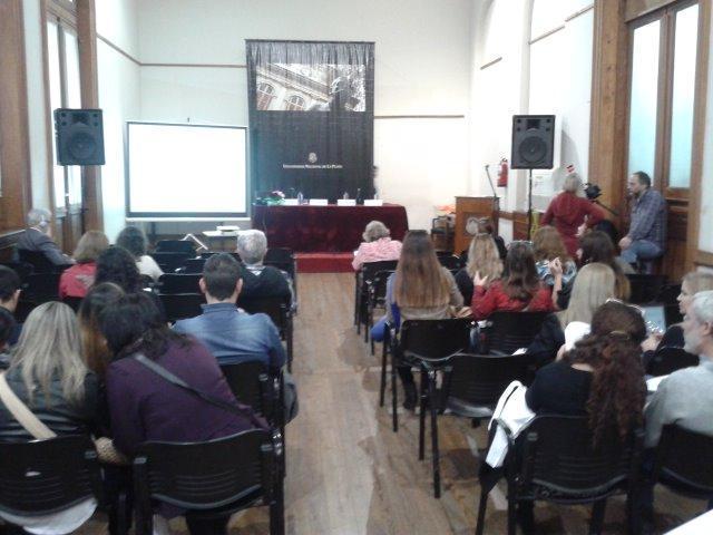 A tan solo unos minutos de iniciar la apertura. #EaDUNLP III Jornadas de TIC e Innovación en el Aula http://t.co/rjguKJELFh