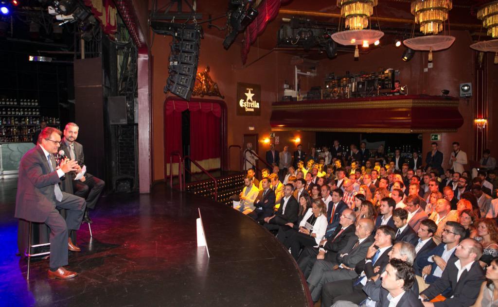 Èxit de participació a la trobada de @pimecjoves amb el #presidentMas #JovesMas http://t.co/MIGKMLa0gu